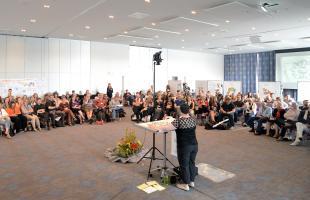 Brandy Agerbeck giving the closing keynote at EuViz, Berlin, 2014